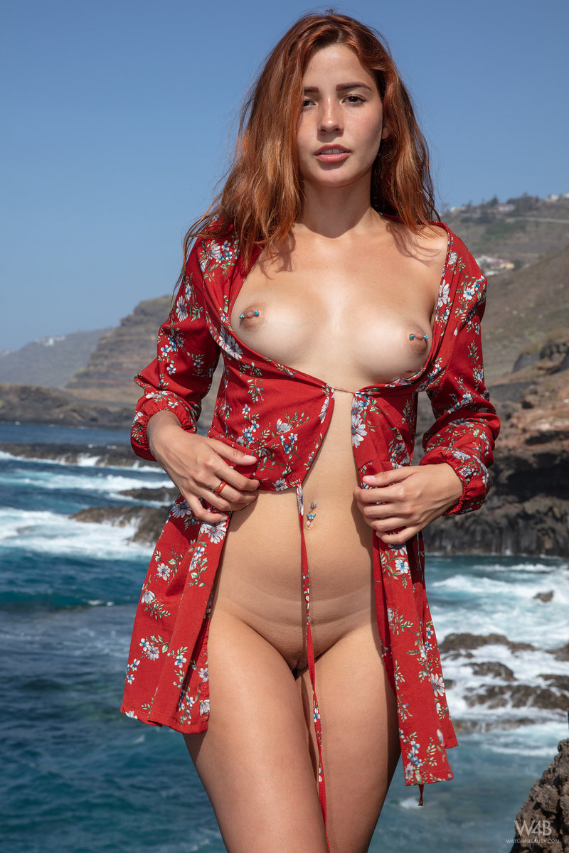 Agatha Vega – Welcome To Tenerife
